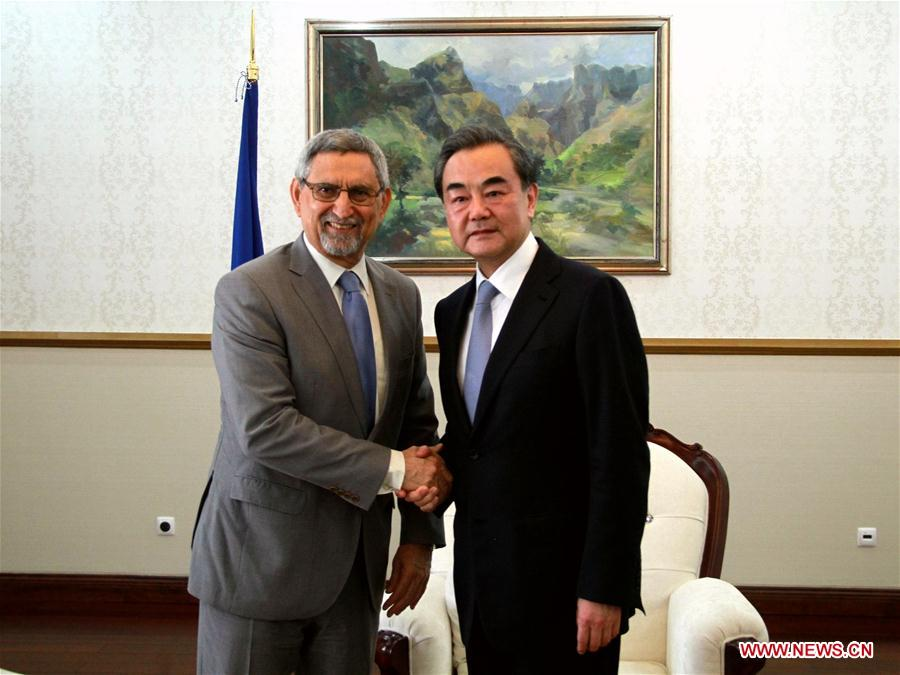 Cape Verde's President Jorge Carlos Fonseca (L) meets with Chinese Foreign Minister Wang Yi in Praia, Cape Verde.